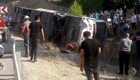 Mersin'de Askerleri Taşıyan Otobüs Devrildi: 4 Şehit, 10 Yaralı
