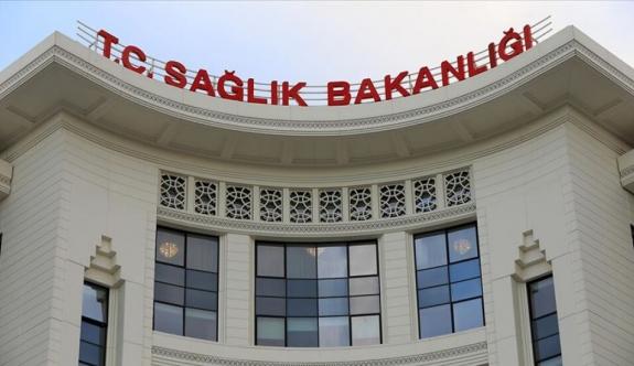 Türkiye'de son 24 saatte 921 kişiye Covid-19 tanısı konuldu