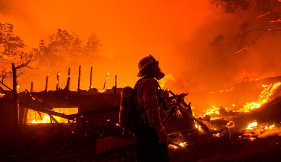 ABD'de 40 bin dönümlük yangın
