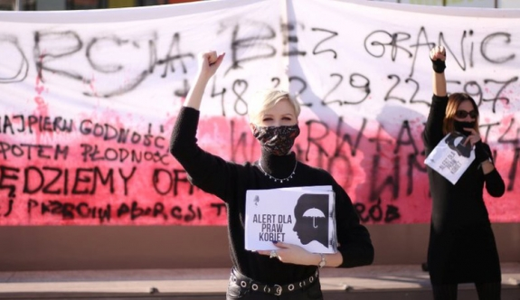 Polonya'da kadınlardan eylem! 15 gözaltı!