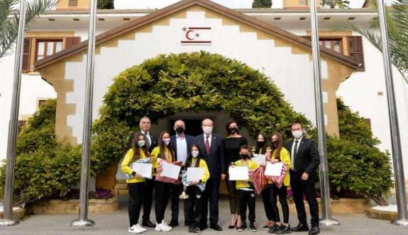 Cumhurbaşkanı Tatar, Dünya şampiyonlarını kabul etti