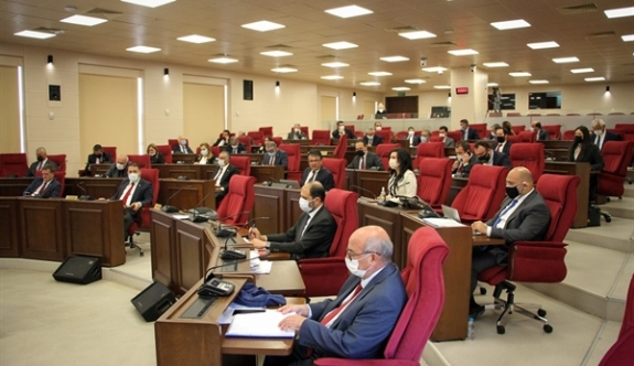 Maaş kesintilerini görüşmek için meclise ara verildi