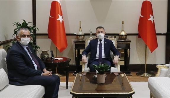 Bakan Çavuşoğlu, Fuat Oktay ile görüştü