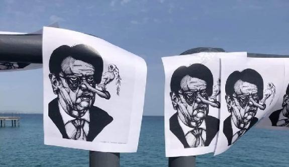 Limasol rıhtımına Anastasiadis'in karikatürlerini astılar