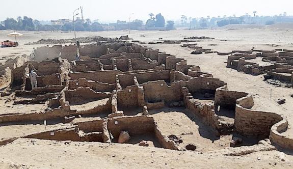 Mısır'da 3 bin yıllık kent