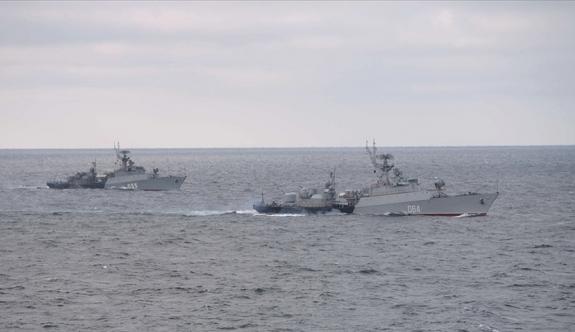 Rus savaş gemileri tatbikatta