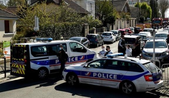 Saldırıya uğrayan polis öldü