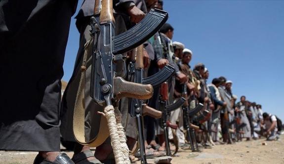 Yemen'deki Husiler, Suudi Arabistan'a saldırdı