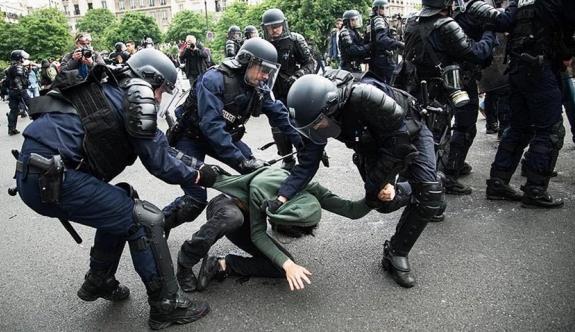 Fransa polisinin sert müdahalesinin görüntüleri yayınlandı
