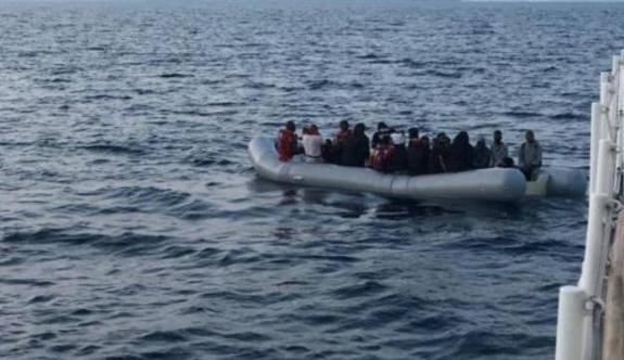Tunus açıklarında 231 düzensiz göçmen