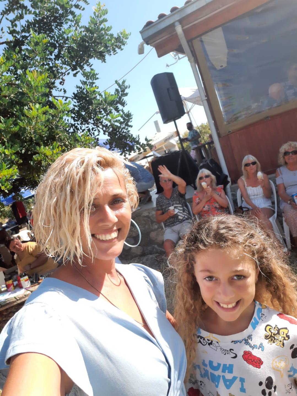 Tatlısu Rose's Hoıuse'da ikinci el pazarı düzenleniyor